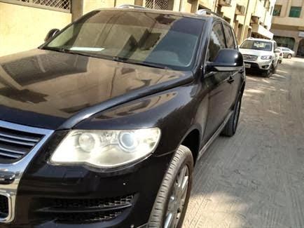 سيارات مستعملة فى الامارات فولكس واجن طوارق 2008 للبيع فى دبى اسود