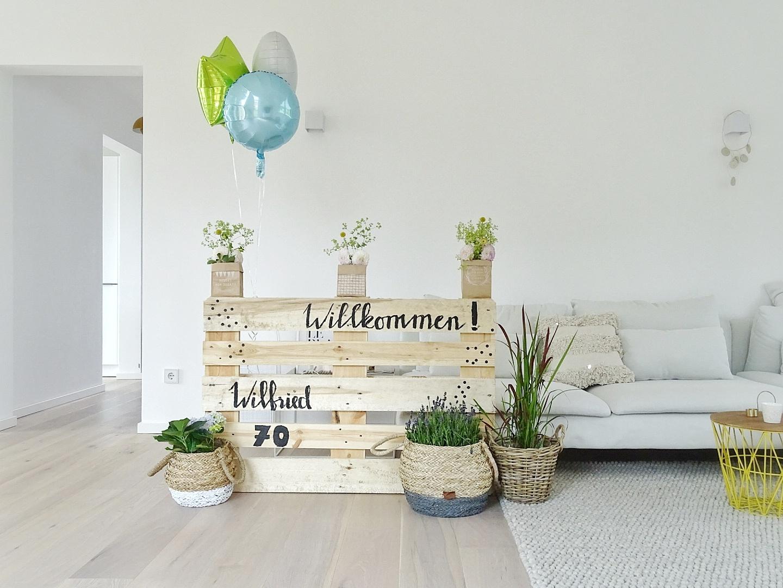 DIY-Willkommensschild aus einer Europalette für jede Art von Feier | Fotoaktion #12von12 | 1 Tag in 12 Bildern im Juli | https://mammilade.blogspot.de