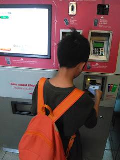beli token MRT di Kuala Lumpur