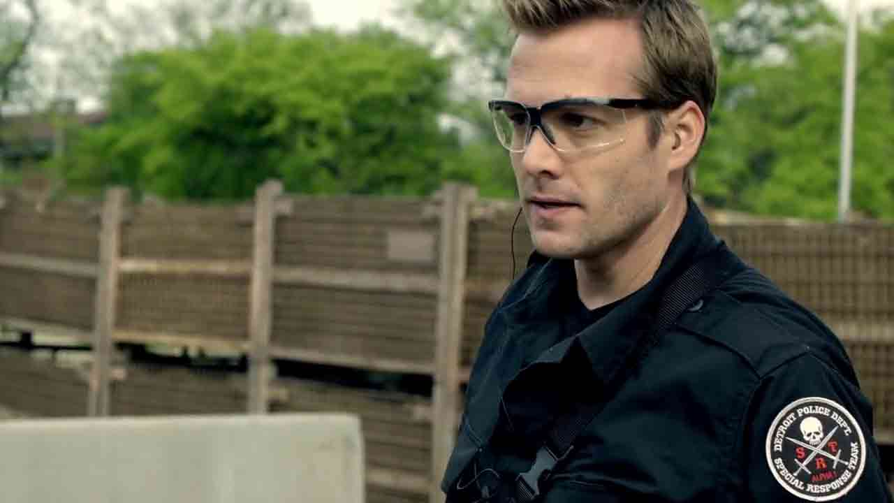 Screen Shot Of Hollywood Movie SWAT Firefight (2011) In Hindi English Full Movie Free Download And Watch Online at worldofree.co