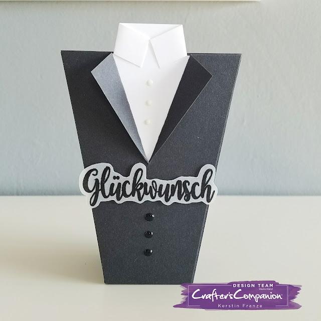 Kartenwerke:Popcornbox in Anzugform hergestellt mit dem Crafter's Companion Embossing Board Sweet Things