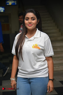 Actress Poorna Stills in Jeans with Jayammu Nischayammu Raa Team at Satyam Theatre 0004