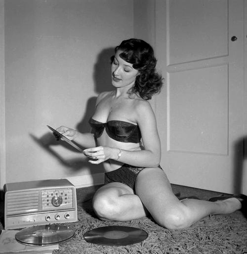 Retro Vintage Modern Hi Fi Hi Fi Girl