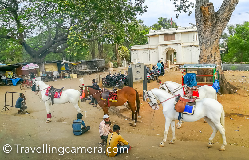 There are various things to experience around Srirangapatana. Horse ride outside the mauseleum and tanga ride near Tipu's palace are 2 options i noticed when i was there.