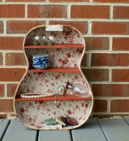 Reciclar y reutilizare una guitarra vieja y convertirla en una estanteria