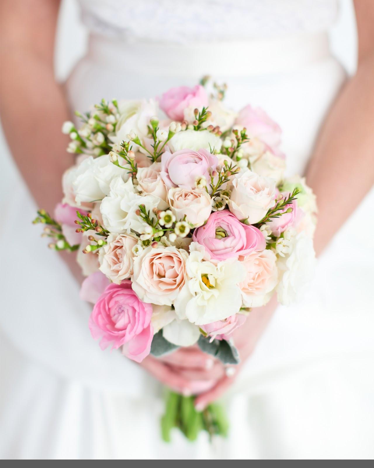 Цветы роз, доставка свадебных букетов недорого