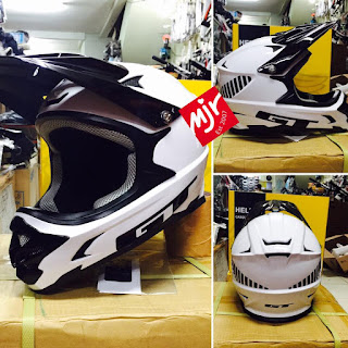 Helm Full Face GT Putih