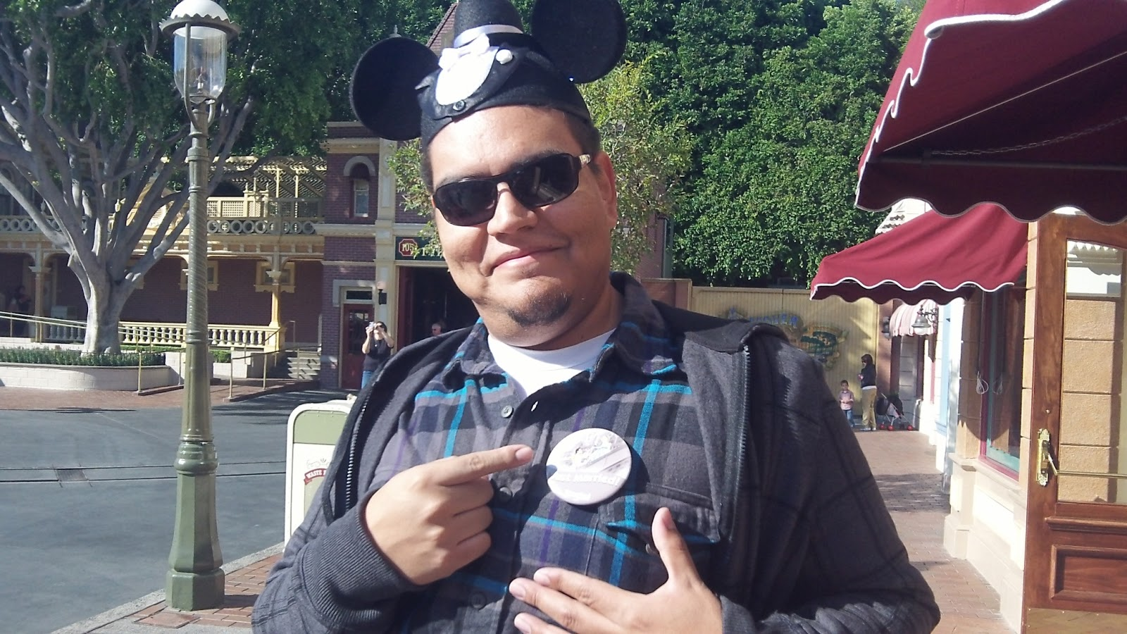62ee9eb5a31c4 The Busy Broad: DIY Mens Mickey Ears (out of a baseball cap)
