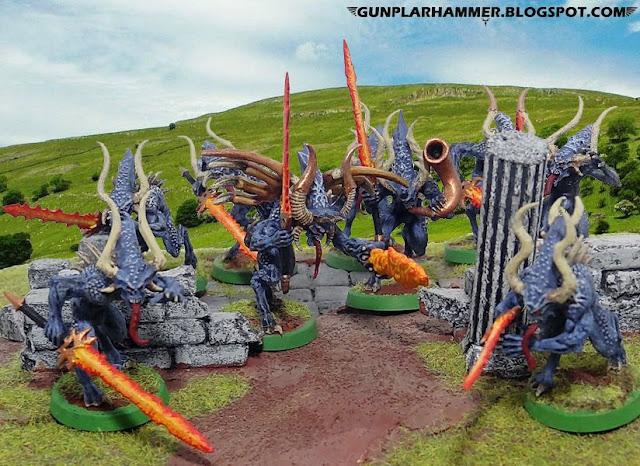 Sanguinaires de khorne bleus avec épées de feu Warhammer