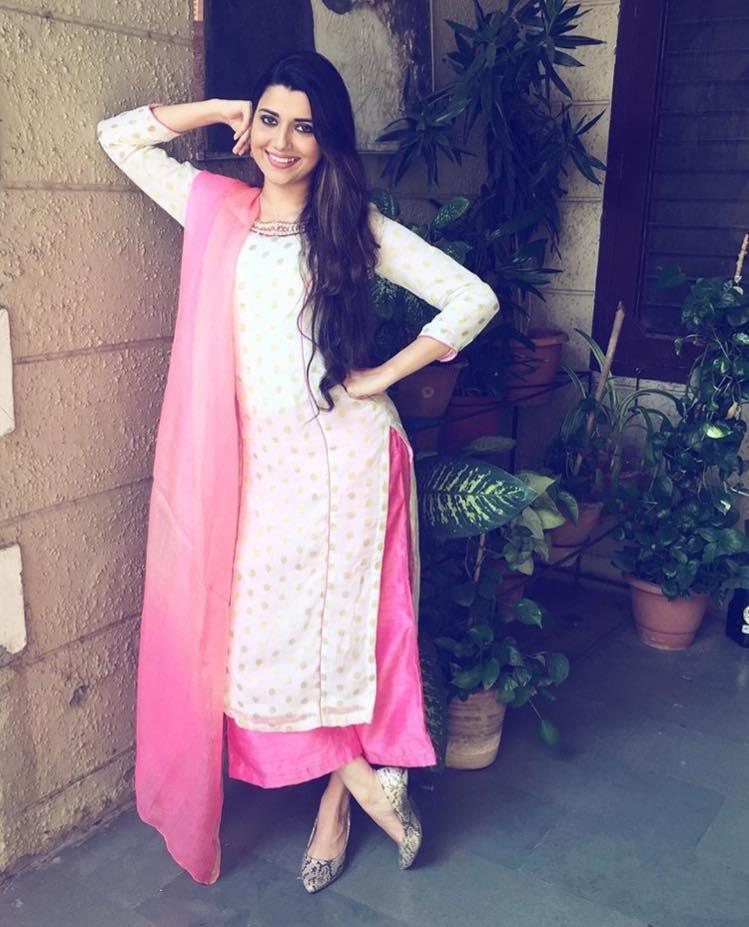 Punjabi Girls Wallpapers-3701