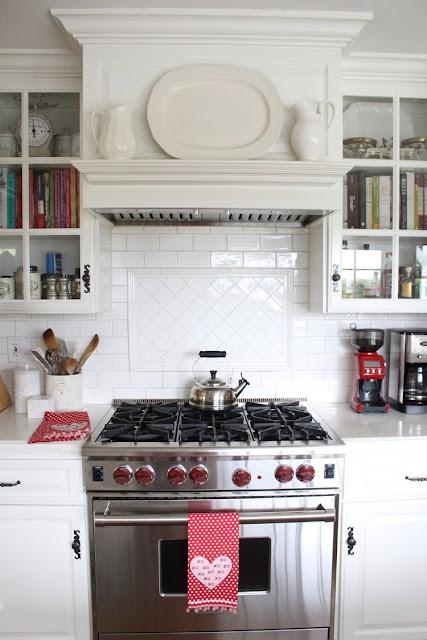 valentines-day-decor-kitchen