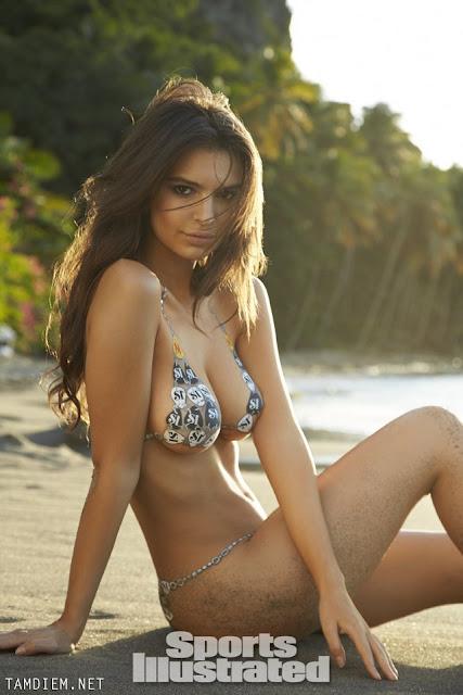 Hot girls Emily Ratajkowski nude sexy body painting 6