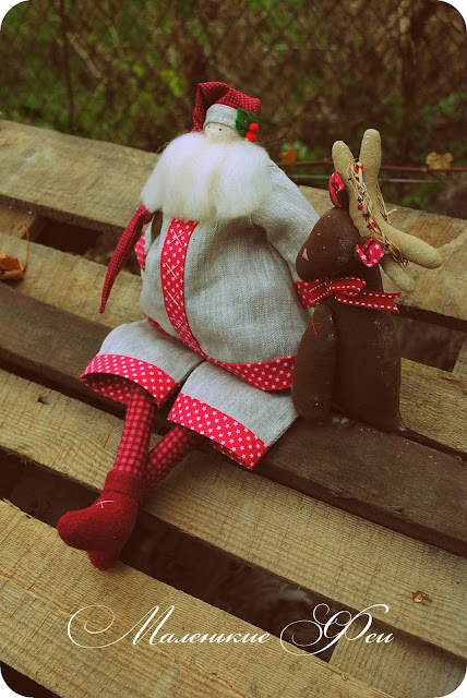 tilda, handmade, santa, santa claus,  new year, doll, red, fawn, natural, natural fabrics, American cotton, linen, felting, fabric tilda,
