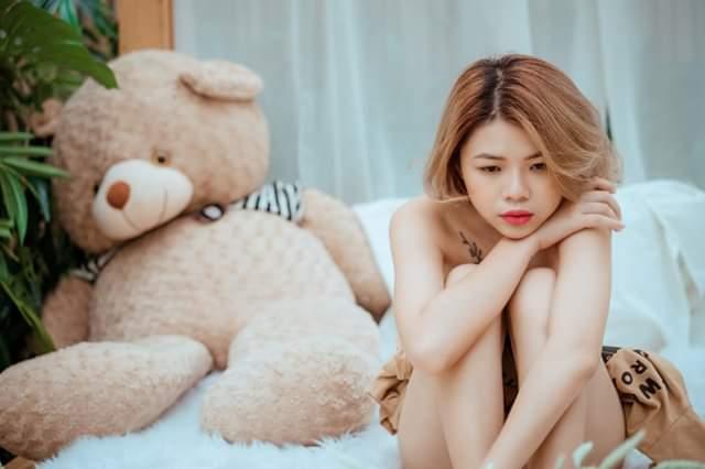 Mẫu Nude Phạm Trang muốn làm gấu để được anh ôm