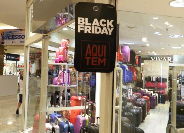 Fim de semana no Shopping Piracicaba tem Black Friday e encontro com  personagens Toy Story af5e877054