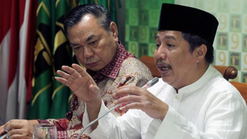 Ketum Parmusi, Usamah Hisyam (kanan)