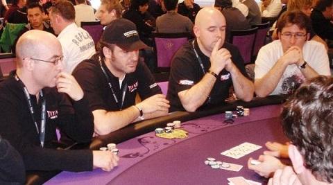 Sử dụng chiến thuật tâm lý khi chơi Poker
