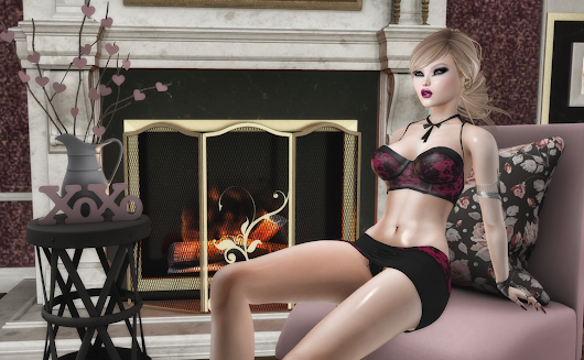 Hold me tight : BlackLace, Continuum Fashion, K-tarsis, Zibska & Mistique