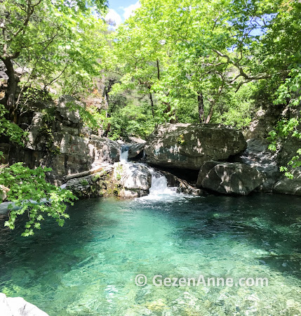 Hasan Boğuldu göletinin berrak suyu, Kazdağları