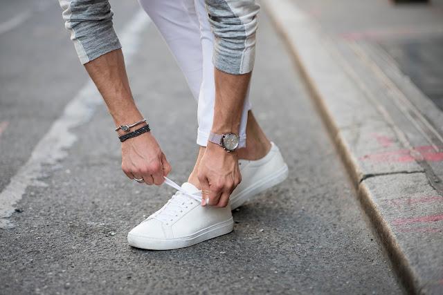 Tips Membersihkan Sepatu Putih