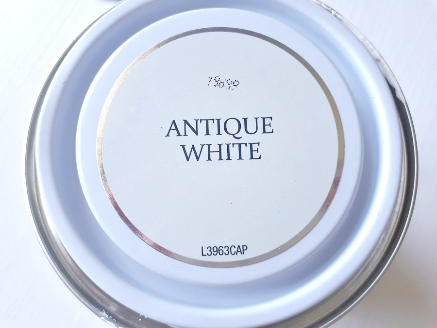 Antique White Chalk Paint, DIY, Lifestyle, The Style Guide Blog, Rust-Oleum review