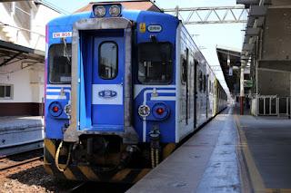 台湾旅行 ローカル線の旅 内湾線「竹中駅」から「内湾駅」行きに乗り換え。