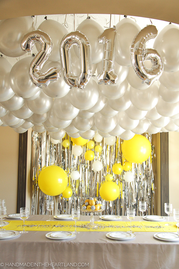New Year's brunch party decor