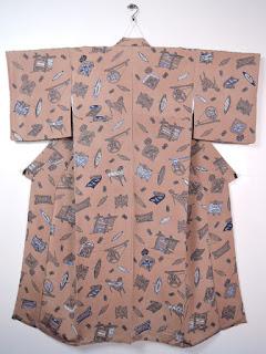 小紋は柄の入った染めの着物でタイプは様々です