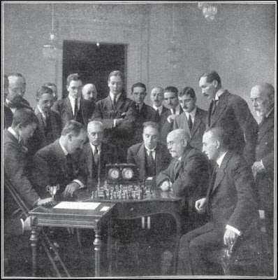 Algunos de los ajedrecistas participantes en el Torneo Nacional de Zaragoza 1919