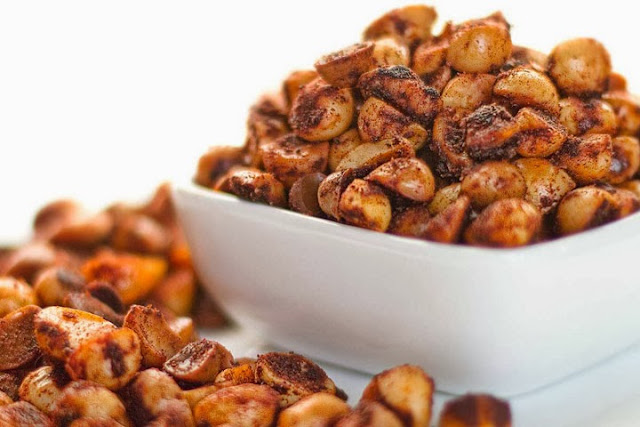 Thanksgiving Round-Up: Hot & Spicy Macadamia Nuts by DJ Foodie