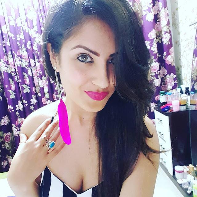 Pooja Banerjee Instagram Selfie