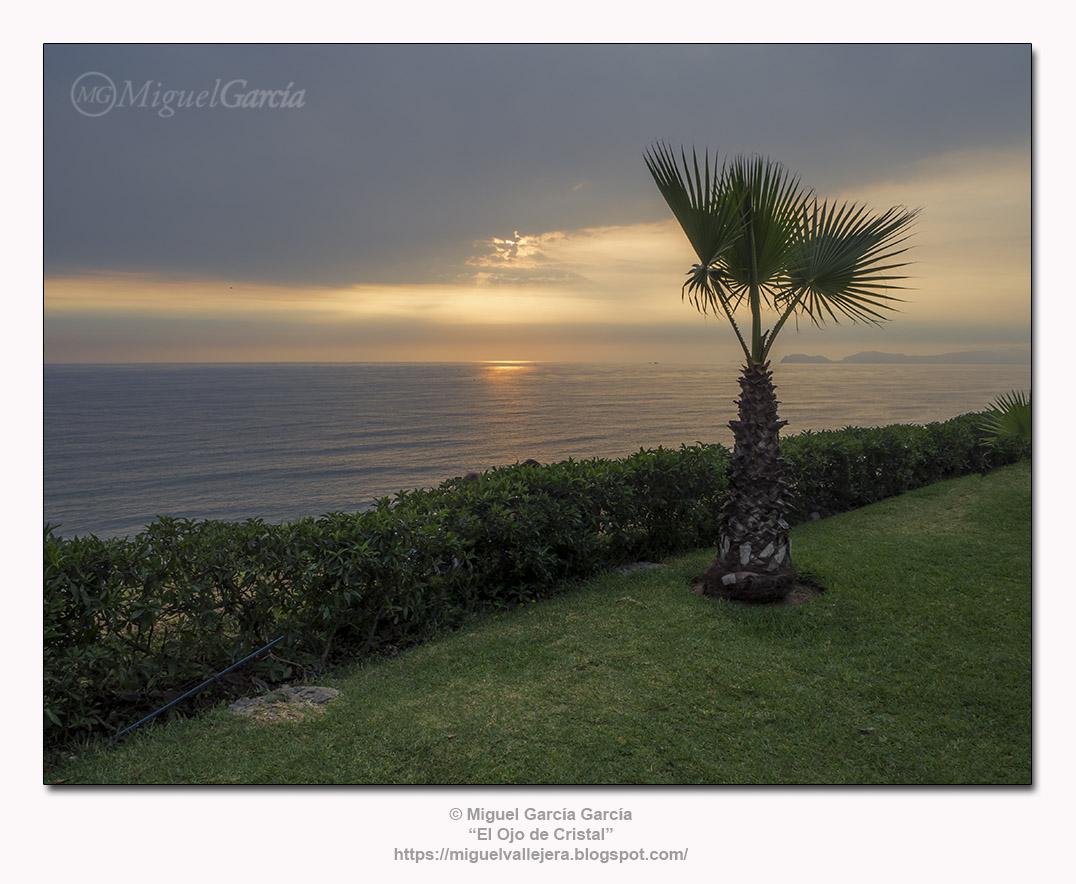 Miraflores, Lima (Perú). Atardecer en la Costa Verde