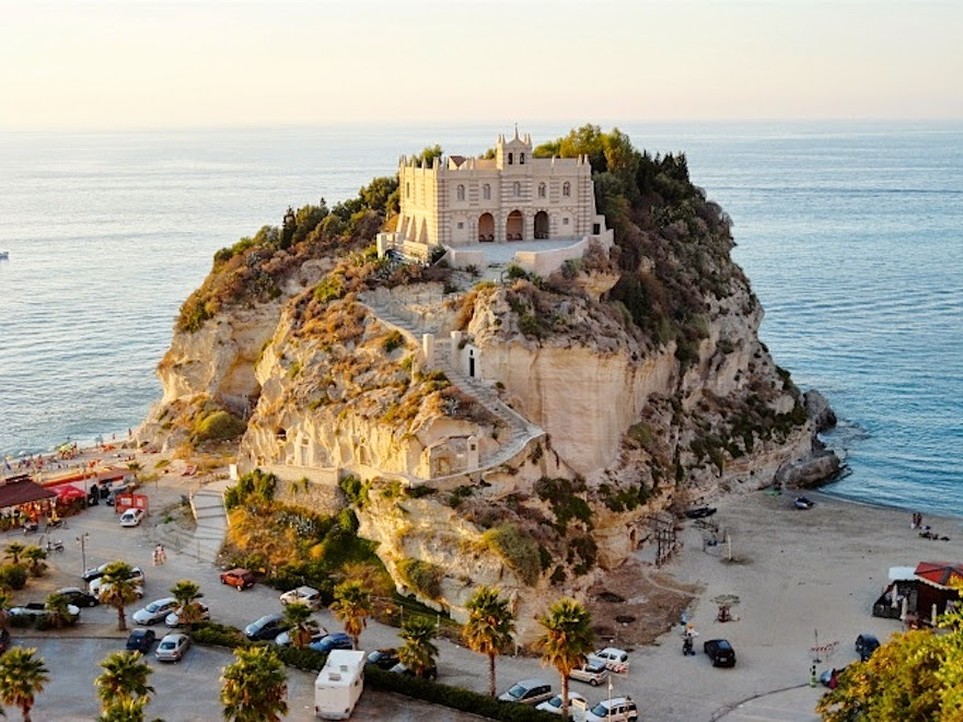 Santa Maria dell'Isola, Italy - 19 Lesser-Known Travel Destinations To Visit Before You Die