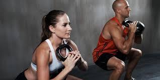 Manfaat Olahraga Angkat Beban Bagi Kesehatan Wanita & Pria