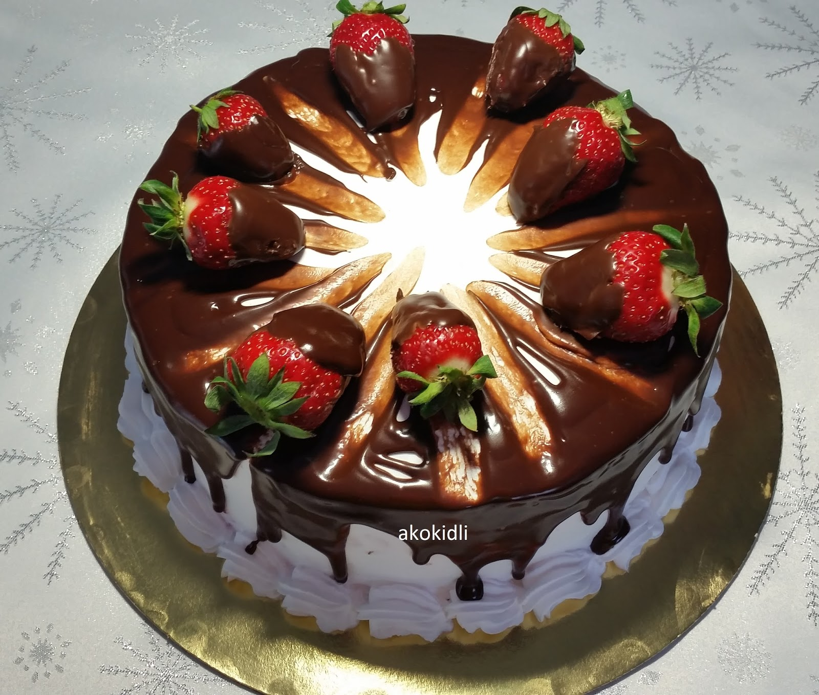 szülinapi torta díszítések akokidli tortái és .: Feketeerdő  Torta férjem 54. szülinapjára szülinapi torta díszítések