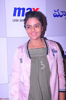Sree Mukhi at Meet and Greet Session at Max Store, Banjara Hills, Hyderabad (43).JPG