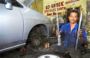 Anda akan memerlukan keterampilan dan keahlian khusus untuk bekerja pada mekanik mobil auto balap, atau bengkel milik pribadi
