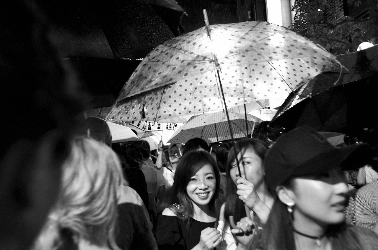 Shinjuku Mad - Crowd fondling 05