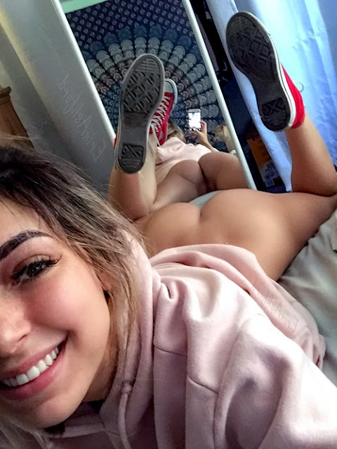 Top Hottest Beauties Popular Girls Pic and Videos Erotica Hot Fashion Photo
