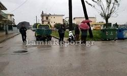 Οδηγός ετών 91 παρέσυρε μηχανάκι με δύο κοπέλες στη Λαμία