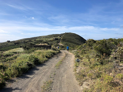 Dirt road / trail near Khamma on the Serra Ghirlanda heading south.