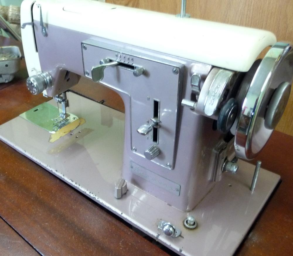 Sew Retro Machine 2016 Necchi Supernova Sewing Threading Diagram Vintage Tuesday October 11