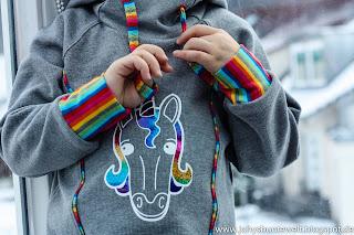 Einhorn-Plot mit Regenbogen-Flexfolie