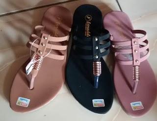 https://sandal.omasae.com/2019/10/grosir-sandal-wanita-cantik-sidoarjo.html