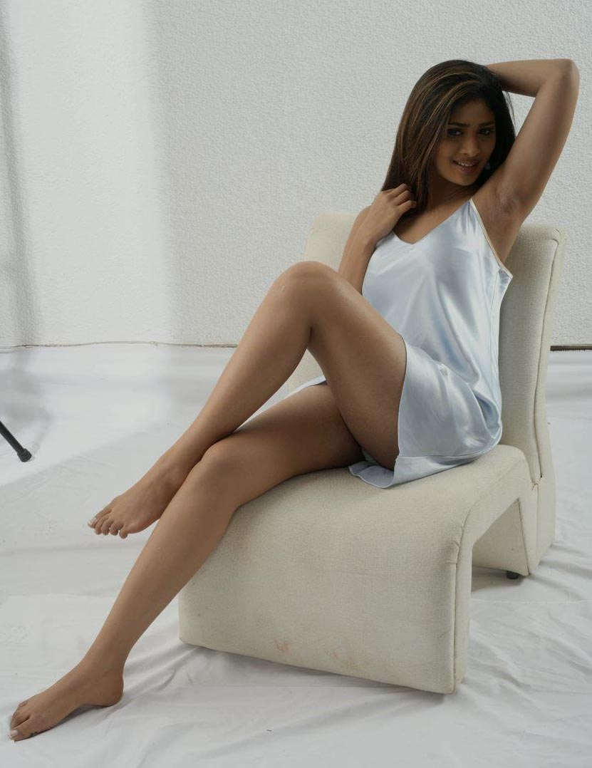 Sri lankan actress swarnamali xxx undressed before