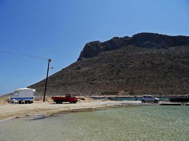 Stavros zatoka i plaża jak wyglądają?