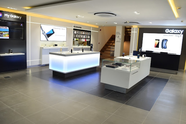 Samsung sets benchmark in customer solutions by opening one-of-a-kind exclusive experience store in New Delhi