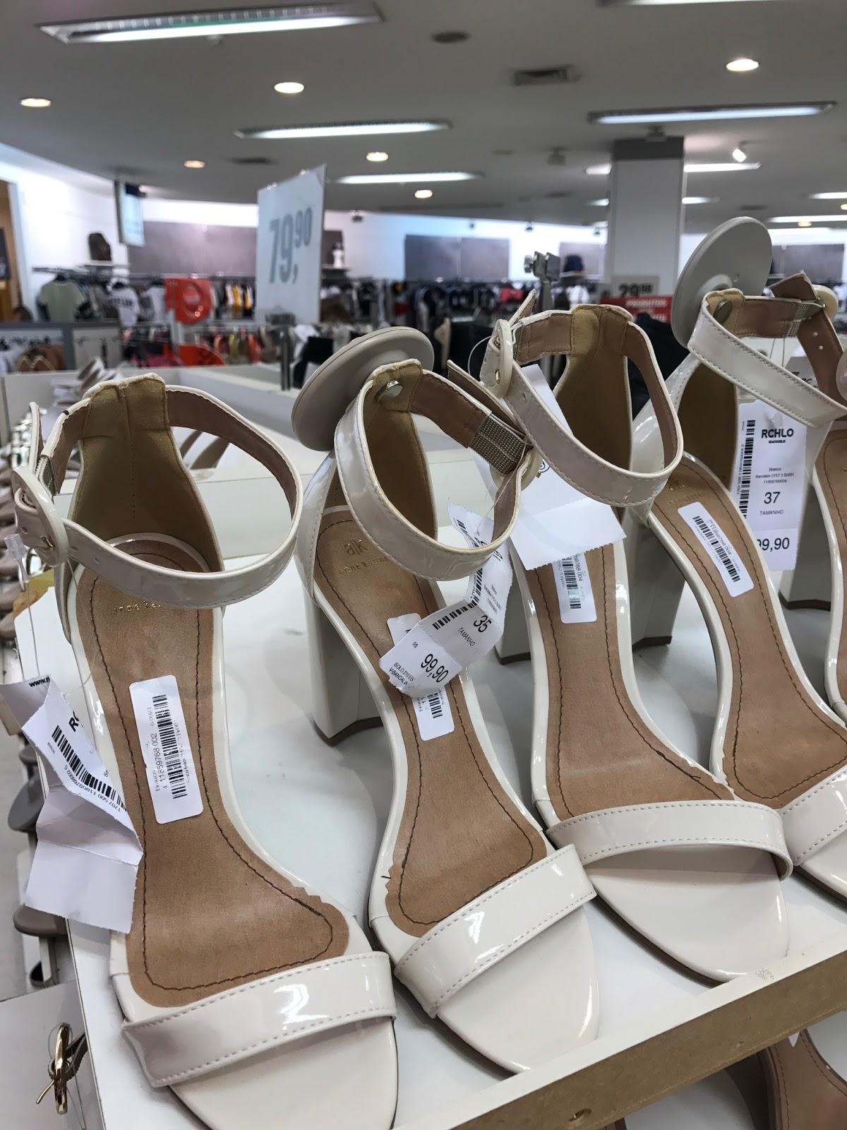 20187f0ad Amei demaaais essa sandália. Euzinha ando bem apaixonada por branco nos pés  *-*
