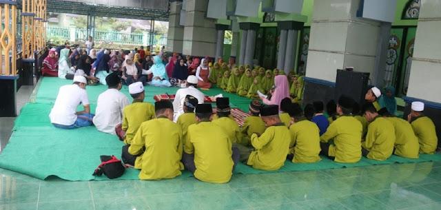 Persit KCK Yonif Raider 514 Kostrad Berikan Santunan Anak Yatim di Bondowoso