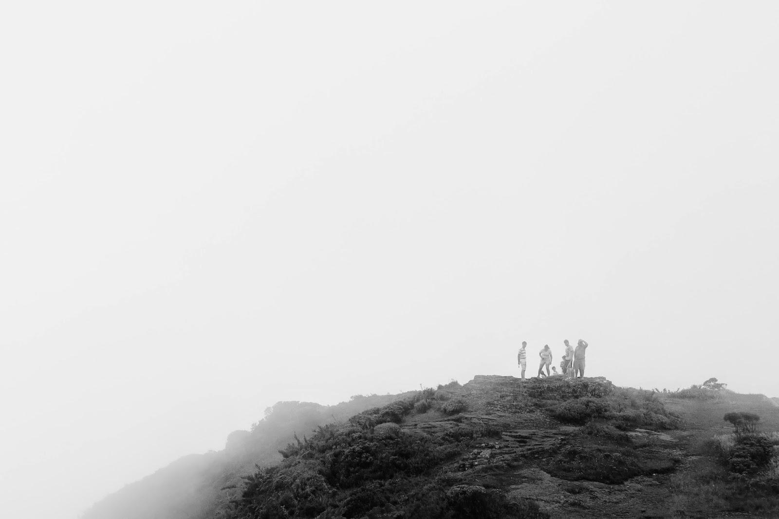 Morro da Igreja em dia de muita neblina